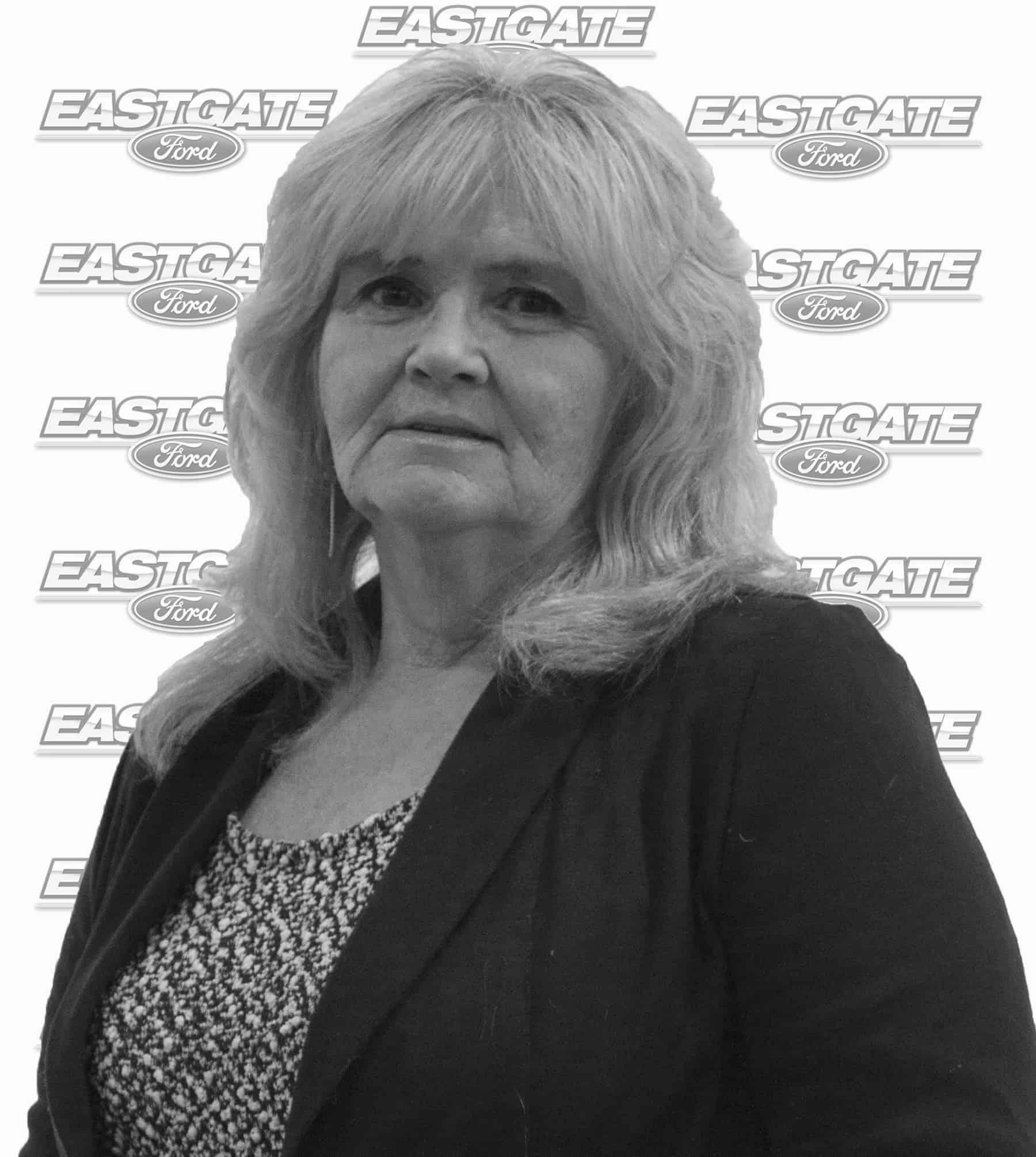 Robyn Barret : Finance Manager
